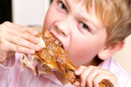 child Gastroenteritis eating chicken