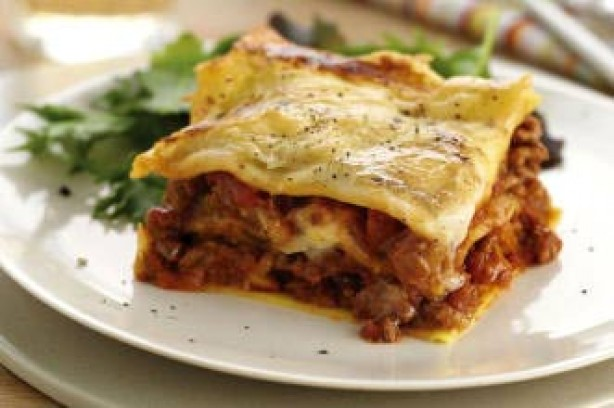 Lower-fat beef lasagne