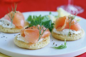 50 quick and easy canapes smoked salmon blinis goodtoknow for Canape recipes jamie oliver