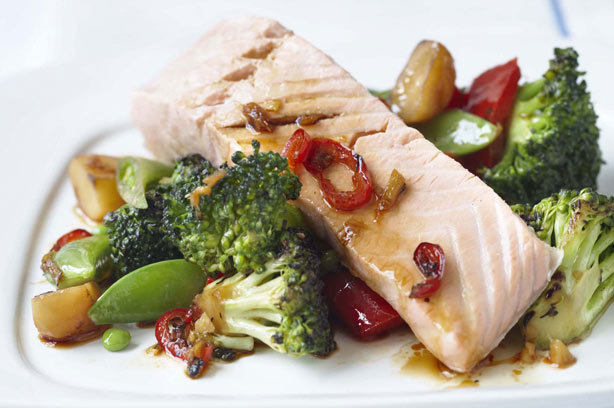 Steamed salmon with sesame stir-fried vegetables recipe ...