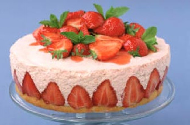 Strawbery Mousse Gateau