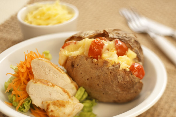 Jumping jackets jacket potatoes with grilled chicken for Jacket potato fillings mushroom
