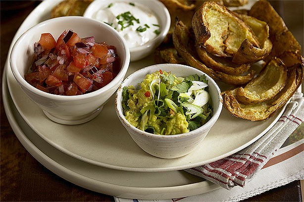 Starter - potato skins with dip