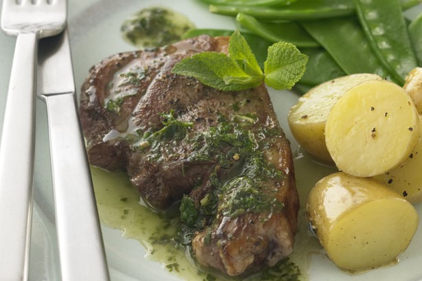 Lamb steaks with mint sauce