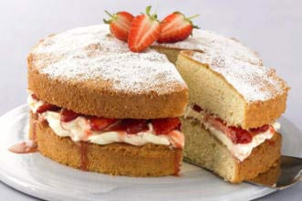 Strawberry and mascarpone cream Victoria sponge