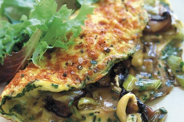 Mushroom and leek omelete