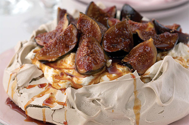 Brown sugar pavlova with mascarpone cream and roasted figs recipe ...