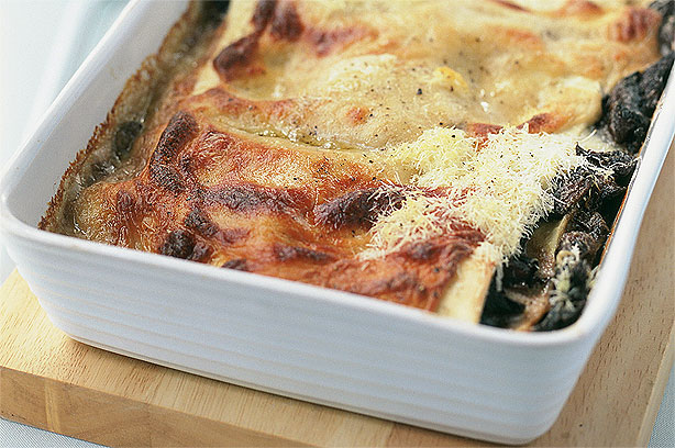 Mushroom, pesto and spinach lasagne recipe - goodtoknow