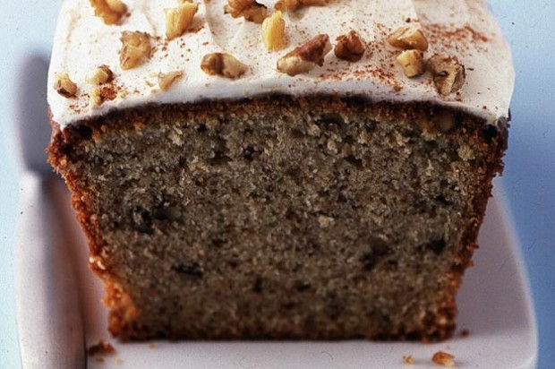 Banana and walnut cake