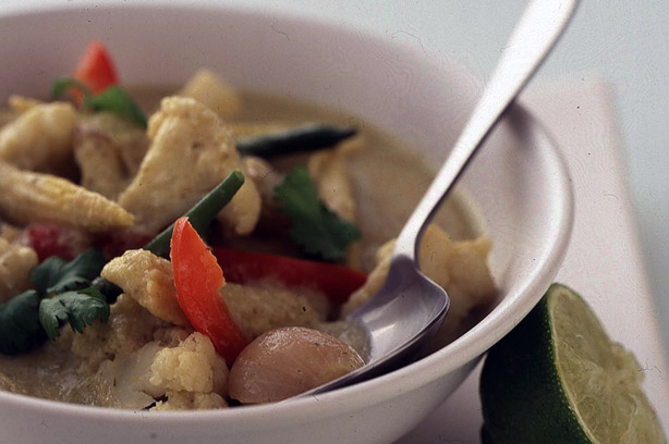 Low-calorie Thai green vegetable curry recipe - goodtoknow