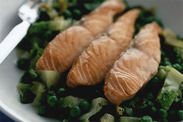 Salmon with Peas and Lettuce