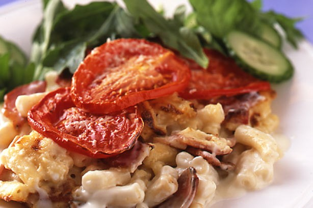 Bacon and tomato macaroni cheese