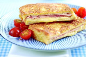 Eggy Bread with Cheese and Ham