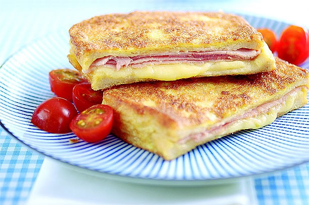 Cheesy ham eggy bread