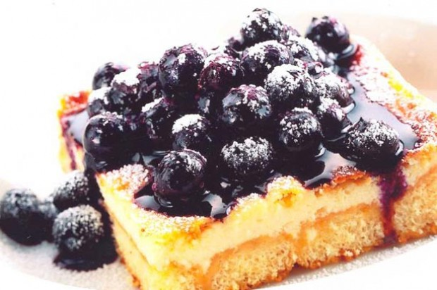 British cheesecake with warm blueberries