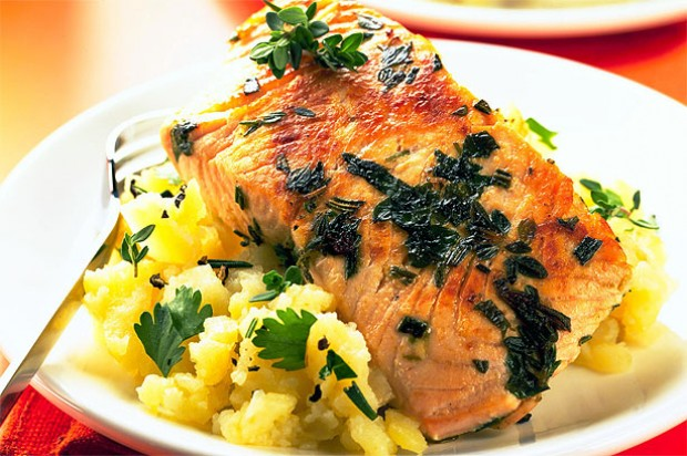 Salmon steaks on new potatoes