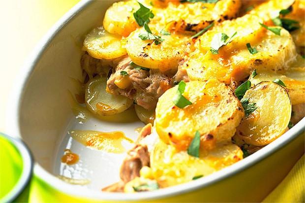 Tuna and potato layer