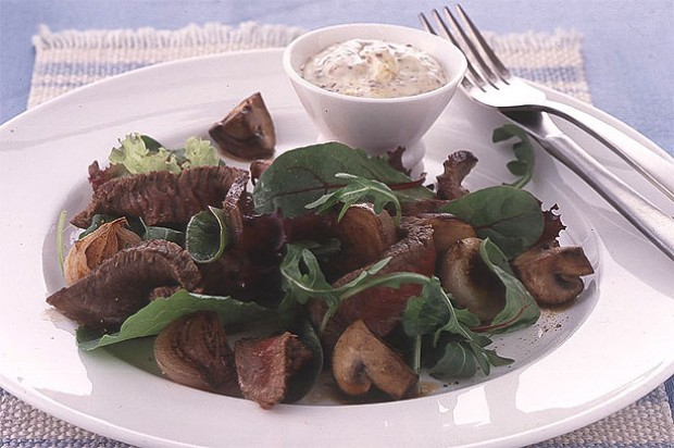 Warm Pepper Steak and Mushroom Salad