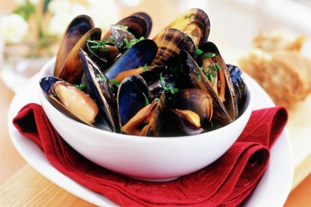 Garlic and Wine Mussels_IPN