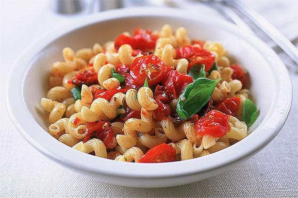 Pasta with Juicy Cherry Tomatoes