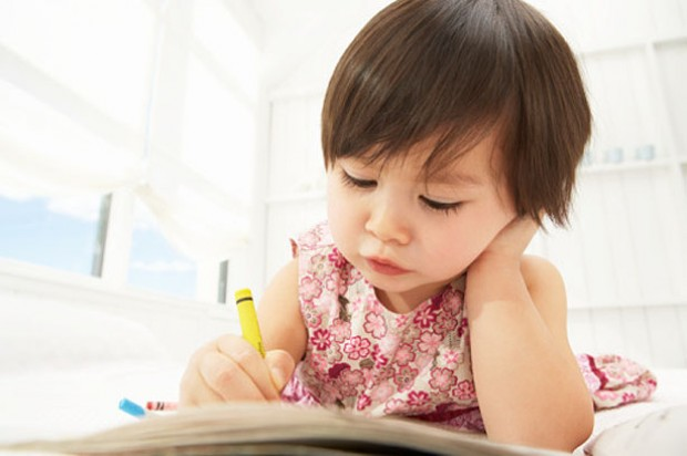 toddlers drawing girl writing play