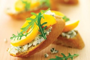 50 quick and easy canapes steak on sticks goodtoknow for Quick and easy canape ideas