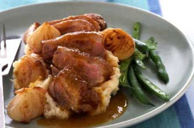 Pan fried duck with sweet and sour sauce-