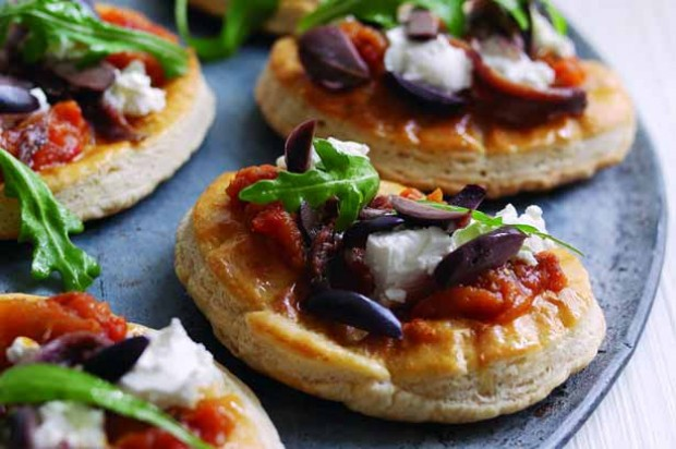 Goast Cheese Mini Pizza Pizzas