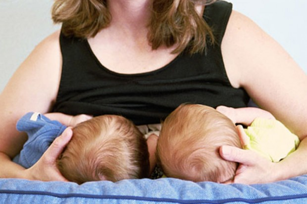 Breastfeeding twins