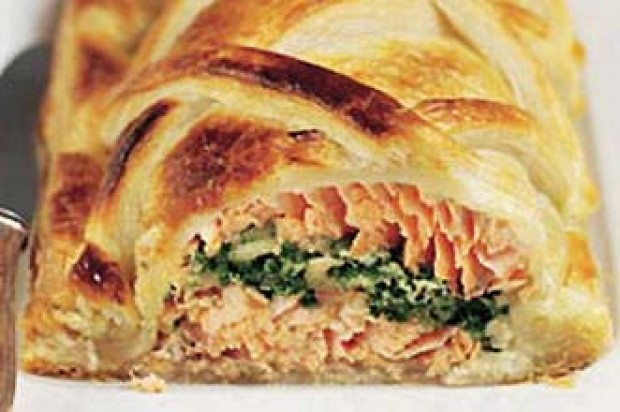 Salmon en croute recipe - goodtoknow