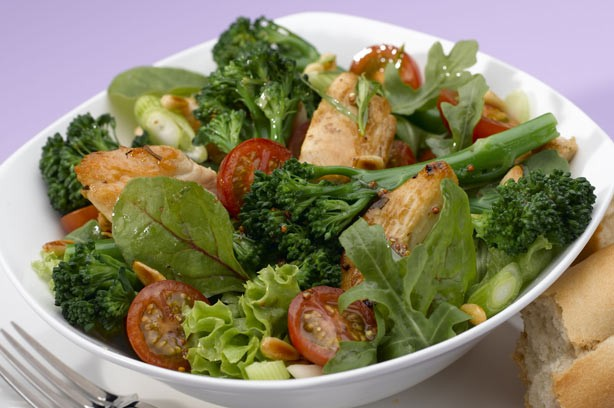 Warm broccoli and chicken salad recipe