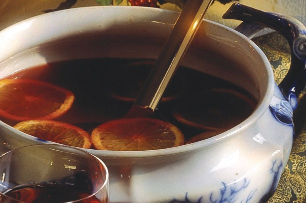 Mulled wine bowl