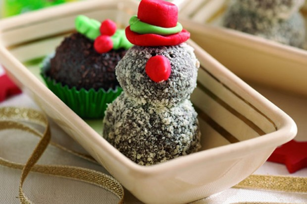 Festive chocolate buttery snowman truffles