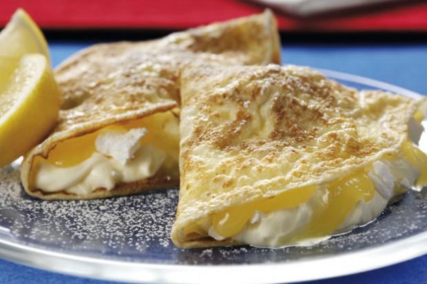 Lemon meringue pancakes