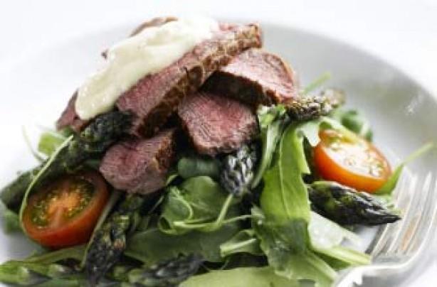Griddled asparagus and fillet steak salad