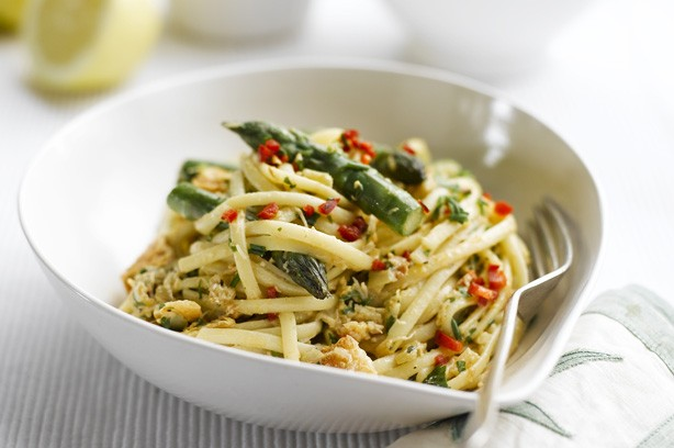 Crab and asparagus linguine