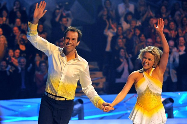 Greg Rusedski skating with partner Kristina Lenko_Rex
