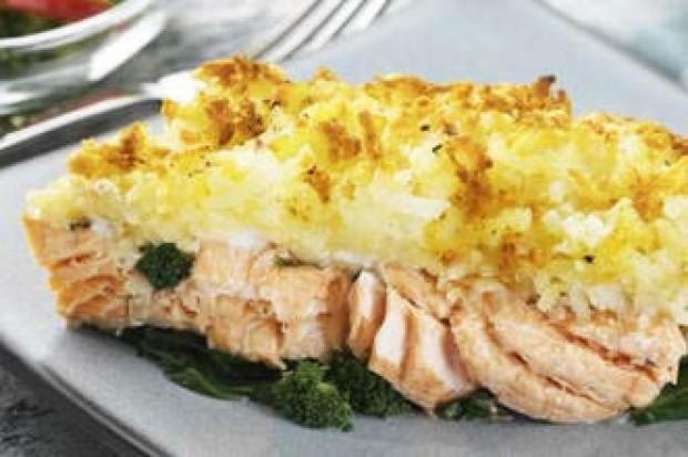 Salmon and broccoli bake