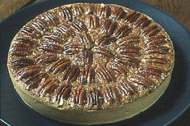 Gordon Ramsay's Pecan and cinnamon pie