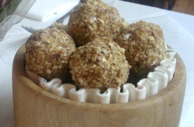 fruit & nut bliss balls