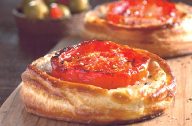 Quick tomato tartlets