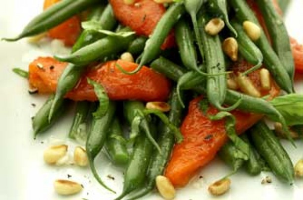 dwarf bean and roasted pepper salad with pine nuts