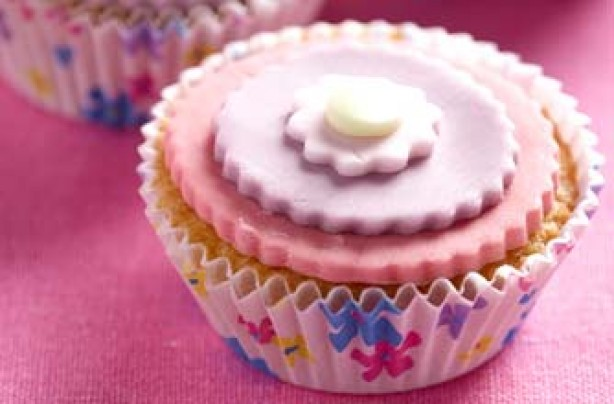 Flower power fairy cakes