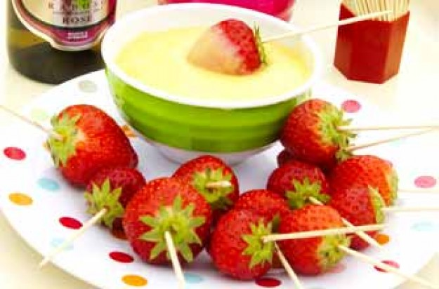 Strawberry fondue