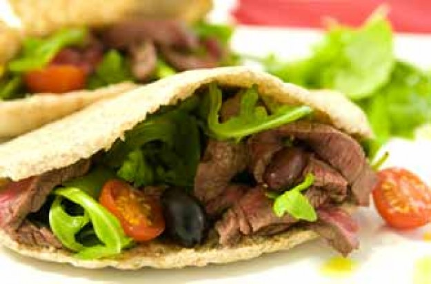 Steak pitta with tomato and bean salad
