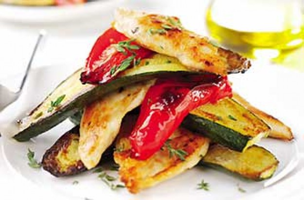 Chicken breasts roasted with peppers and courgettes