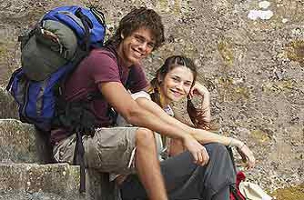 backpackers_photolibrary