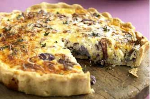 Sweet red onion and Edam tart