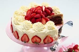 Mary Berry S Strawberry Cake Recipe Goodtoknow