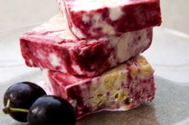 Damson and lemon crunch